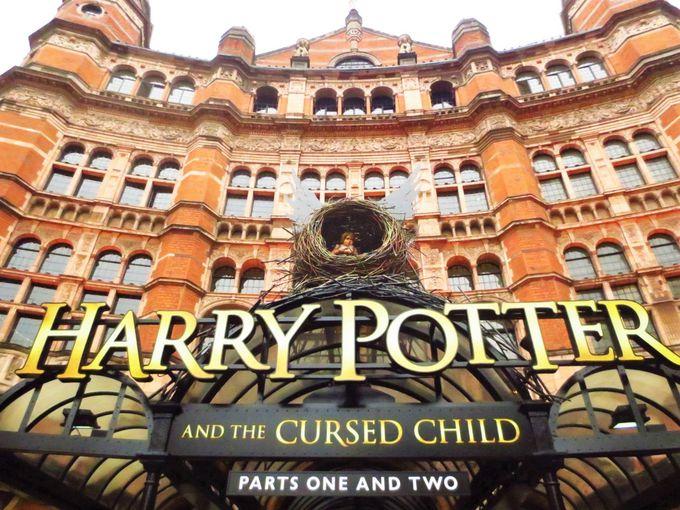 最新作、舞台「ハリー・ポッターと呪いの子」は必見!