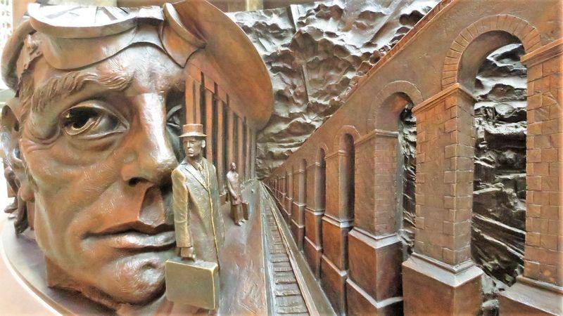 美術館のような巨大観光駅!ロンドン「セント・パンクラス」の必見スポット