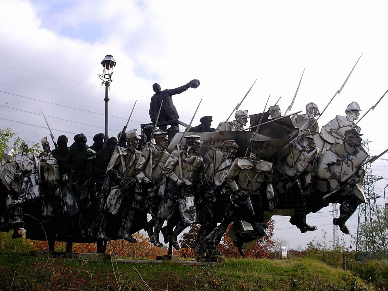 波乱万丈の人生を送った「クン・ベラ」の記念碑