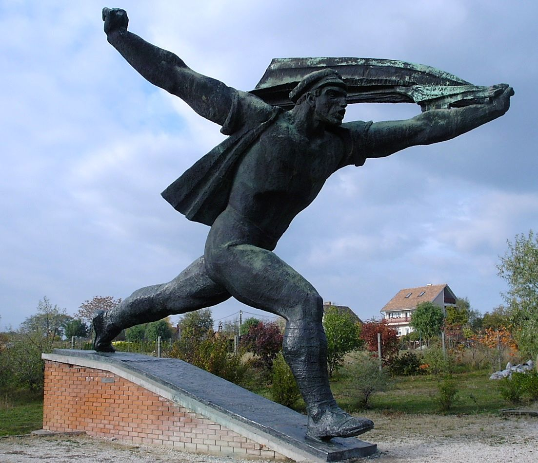 巨像&スパイ活動目白押し!ブダペスト「メメント・パーク」