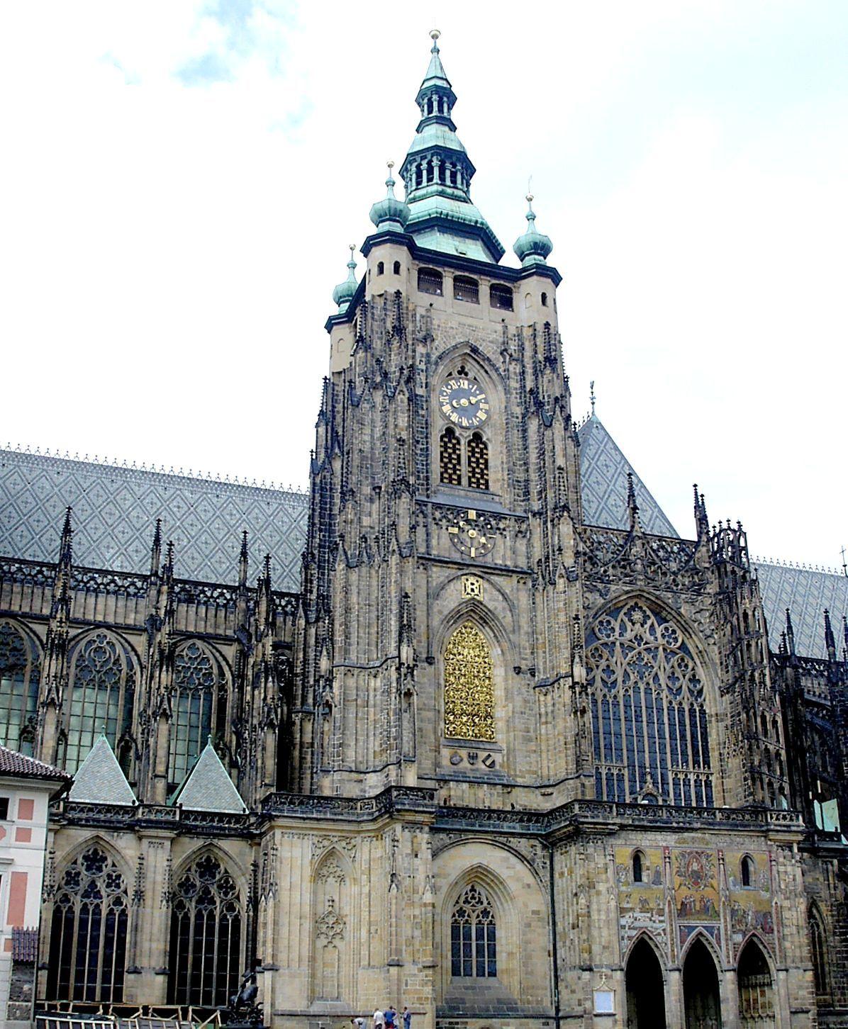 内部も、塔からの眺めも最高!プラハ城の「聖ヴィート大聖堂」