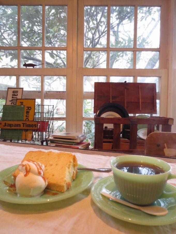 アンティーク雑貨カフェから眺める桜の絶景「ブリキッカ」