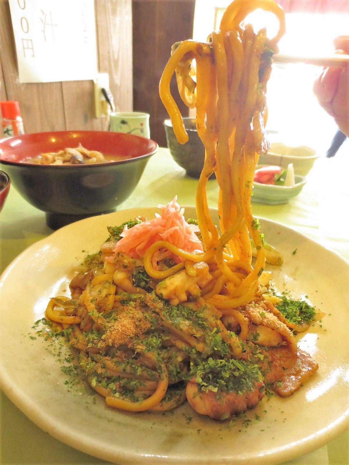 食べごたえある具とモチモチ麺でボリューム大「おおわだ」