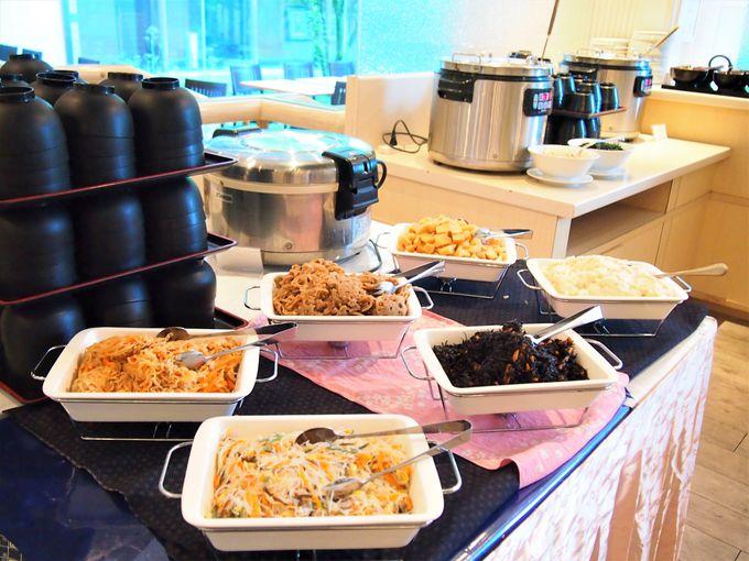 和洋充実の朝食ブッフェは朝一番でゆったり、たっぷり