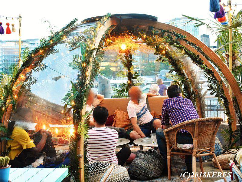 テムズ川でグランピング?ロンドンの魅力的なパブ&レストラン5選