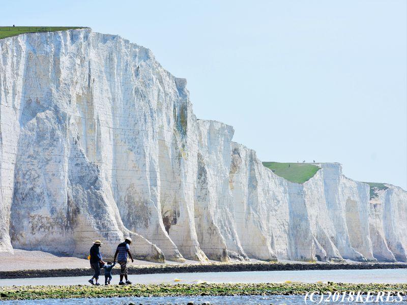 超巨大な白壁、自然の創造力に感動!