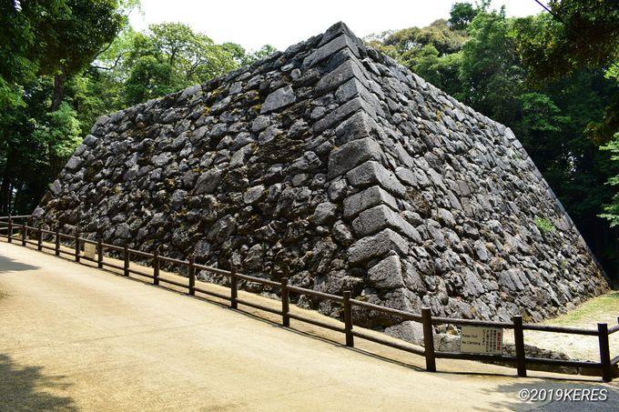 2日目午後:歴史の遺構を見学できる、天守閣までの散策路