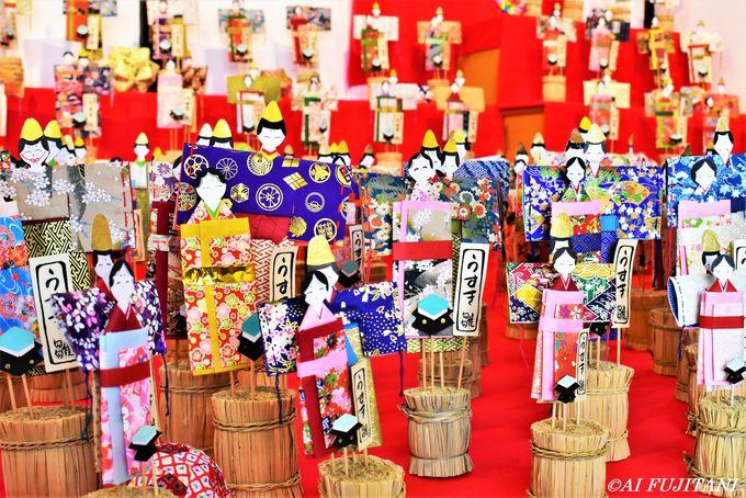 廃寺で見る、臼杵の伝統雛飾り「うすき紙雛」