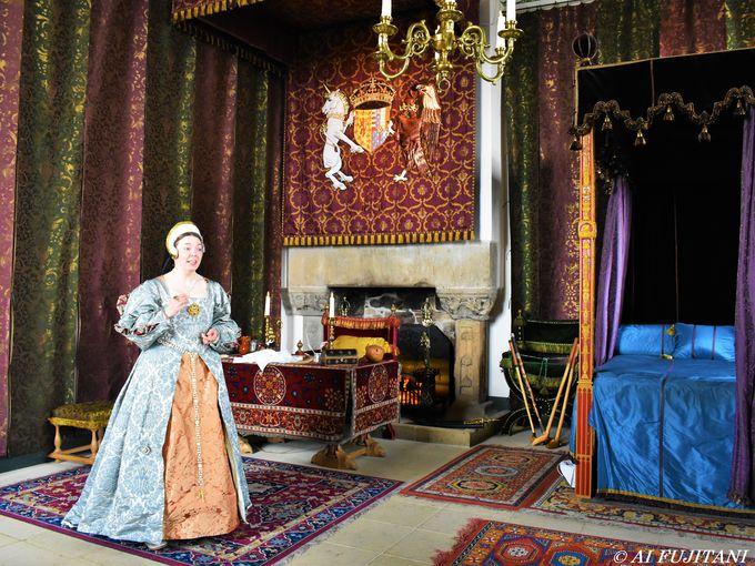 悲劇の女王と偉大な王の歴史を紡いだ王宮