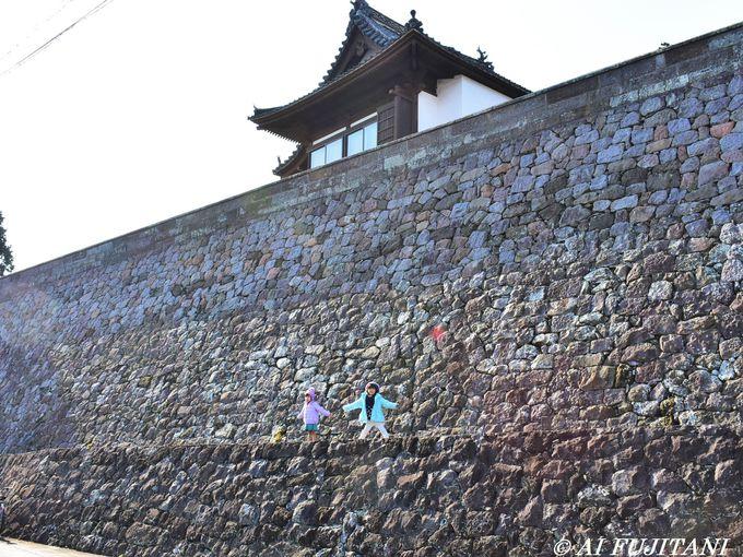 これが寺?!まるでお城な「多福寺と月桂寺の石垣」