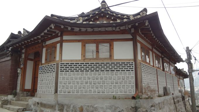 韓屋は韓国時代劇に出てきそうなお屋敷