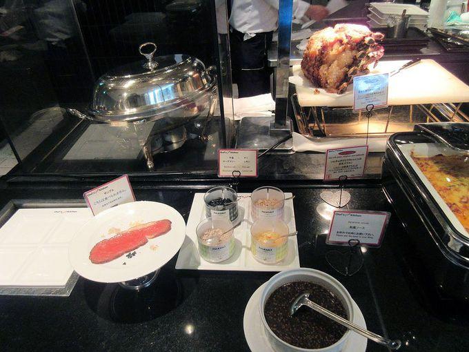 ファーストディッシュから魚料理と肉料理まで、数々の充実した温菜料理