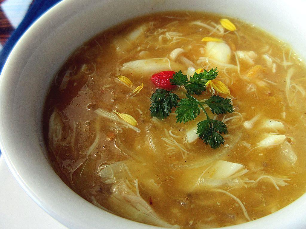 バラエティに富んだスープ