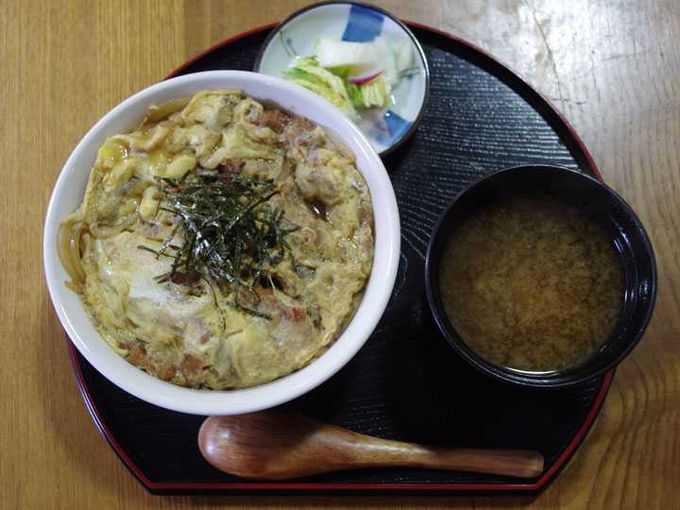 大好評の仙台油麩丼  宮城産の油麩と飛騨産の野菜をコラボ