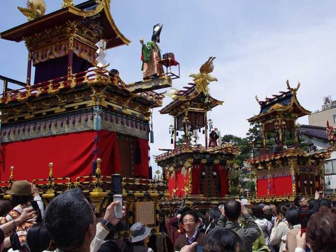 随所に飛騨の匠の技が生きる祭り屋台