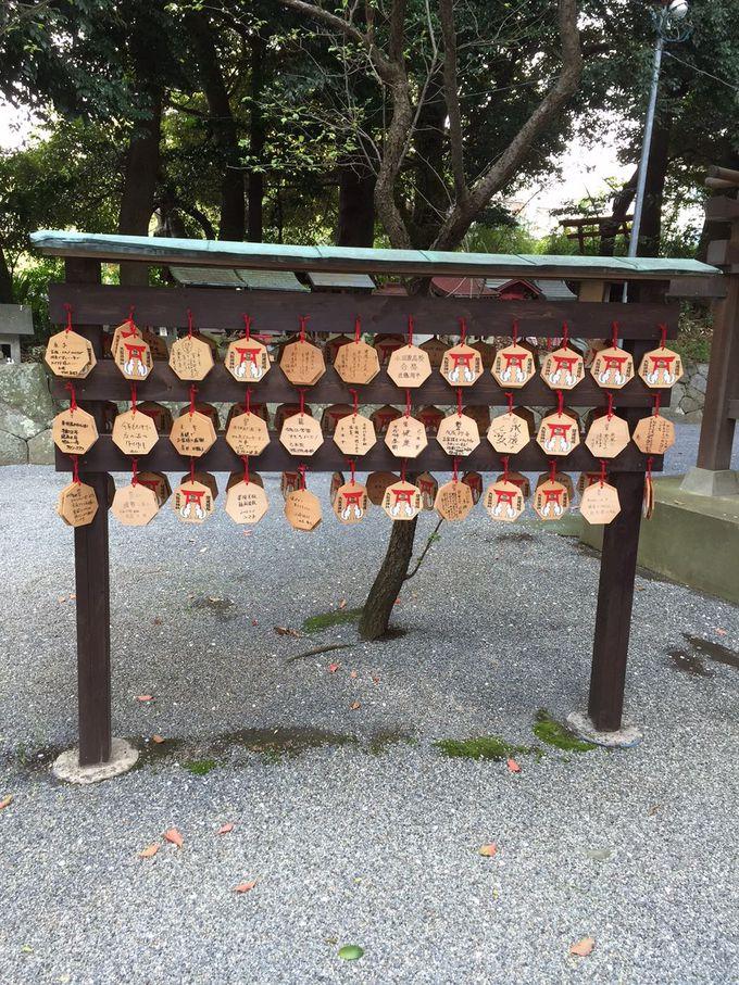 大稲荷神社は珍しい七角形の絵馬