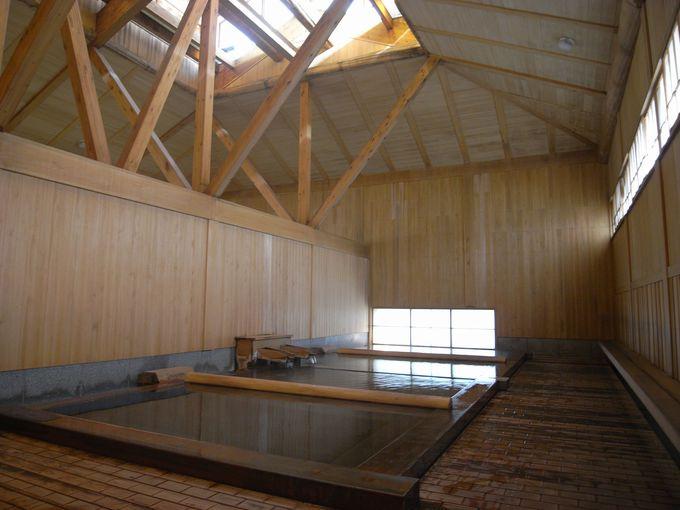 2つの源泉入り比べ!共同浴場「御座之湯」