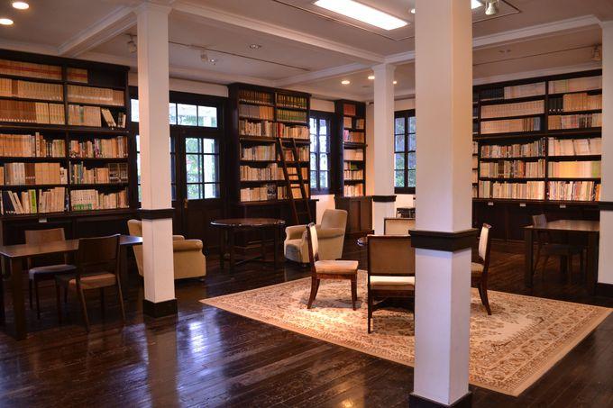 館内に再現された大書斎は必見
