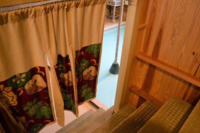 かつては混浴。今は女性も入りやすくなった霊湯