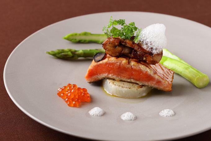 鮭料理を食べて味わう