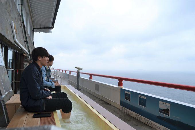 日本一短い?ロープウェイで「熱海城」の絶景足湯をめざせ