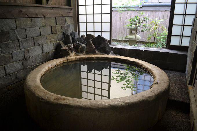 すべて貸切で入れる5つのかけ流し温泉