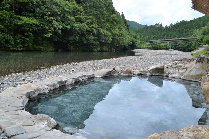 水害から復活!「山水館 川湯みどりや」の絶景すぎる露天風呂