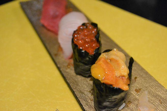 塩水ウニなど、北海道の魚介が躍る寿司