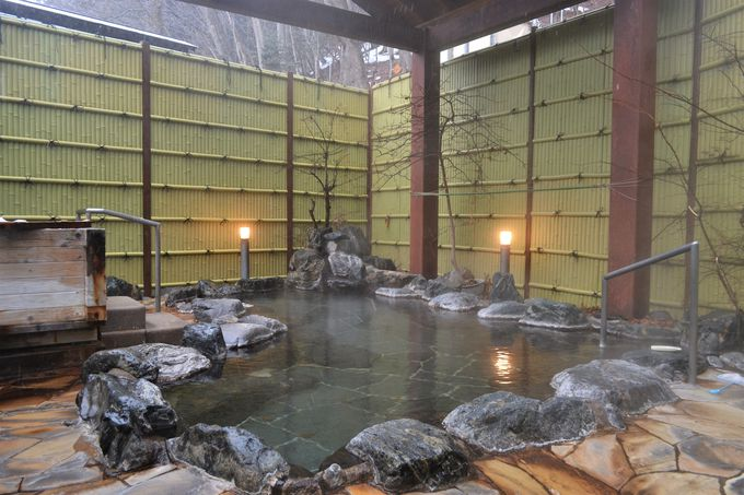 「元湯 湯西川館本館」自慢の美人の湯を入りくらべ