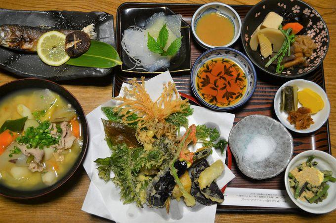 山は食材の宝庫!季節の山菜や野菜を天ぷらで