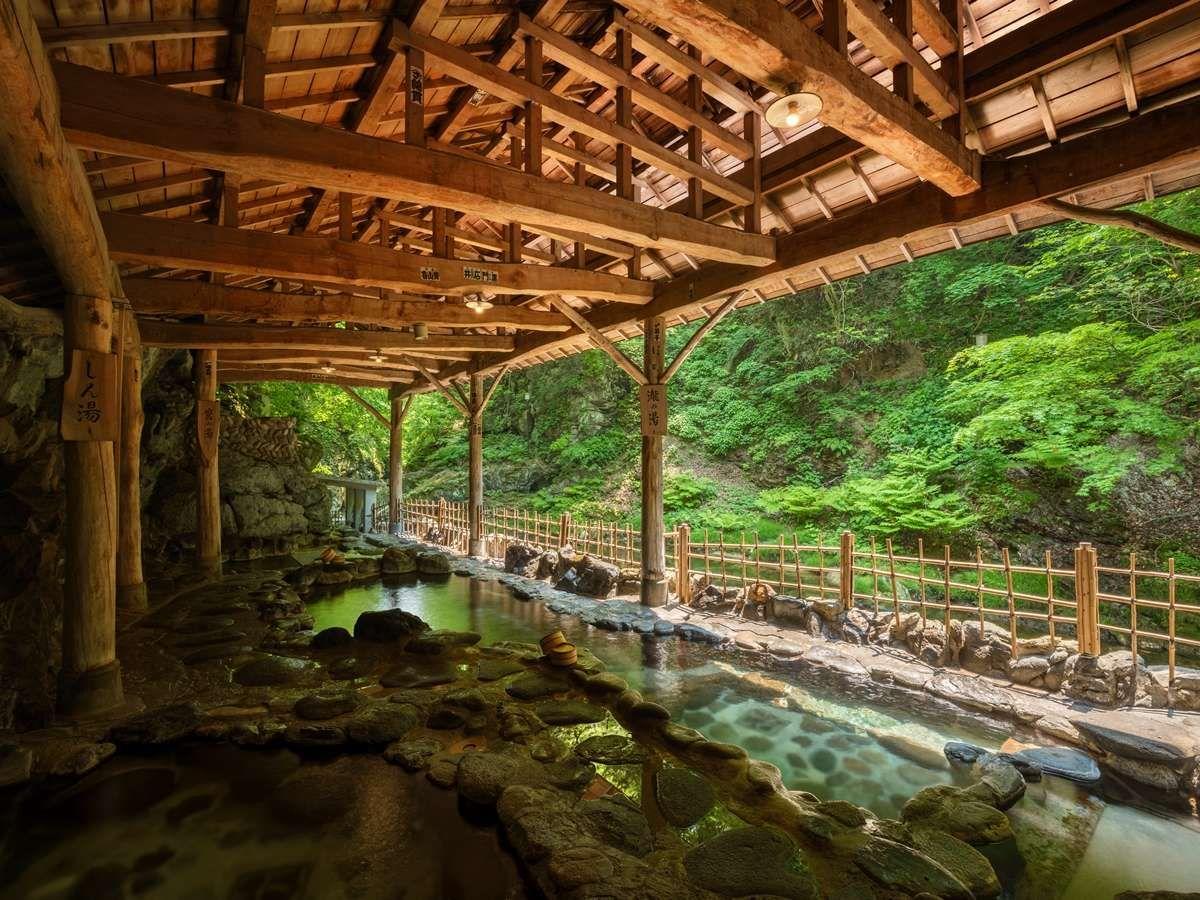 谷底にドーンと絶景露天!仙台作並温泉「鷹泉閣岩松旅館」で女子旅