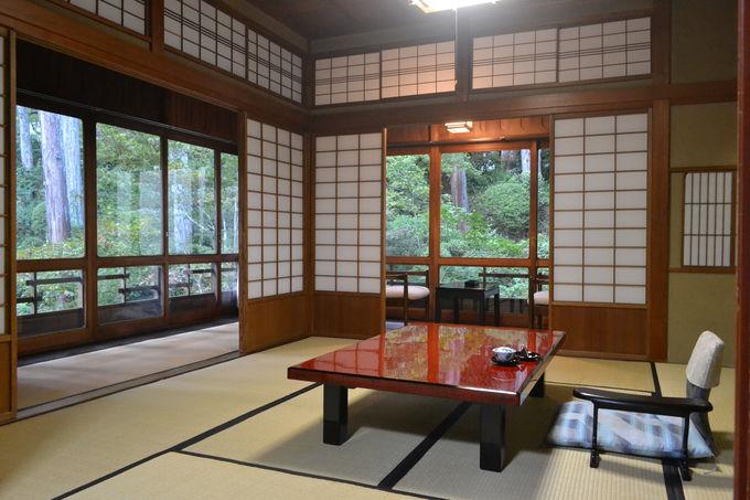 文化財の本館は一般客室も創業時のままの趣