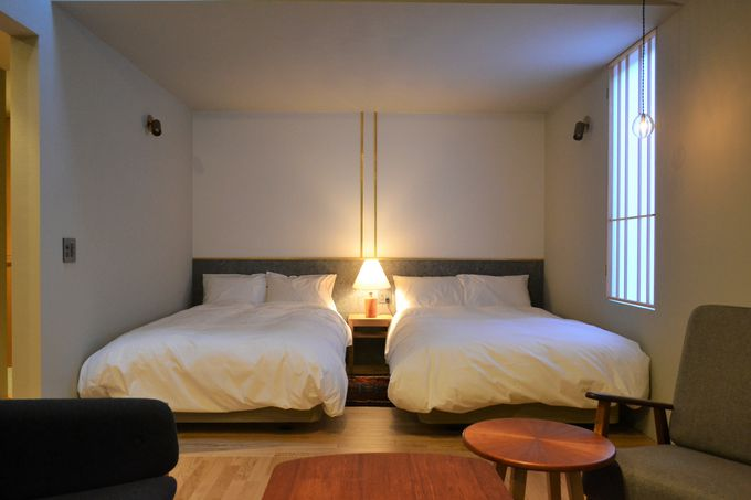 全室が半露天風呂付き!北欧風のナチュラルな客室でくつろぐ