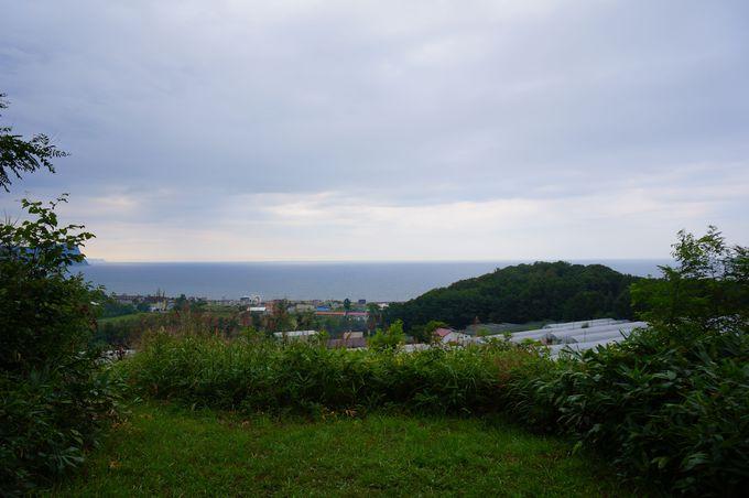 古代の人も海を見ていたかも? 西崎山ストーンサークル