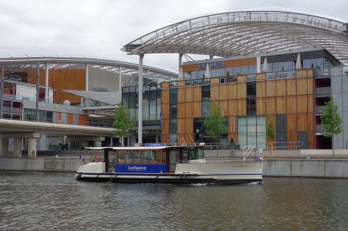 ご紹介するのは、ショッピングモールを行き来する水上バス