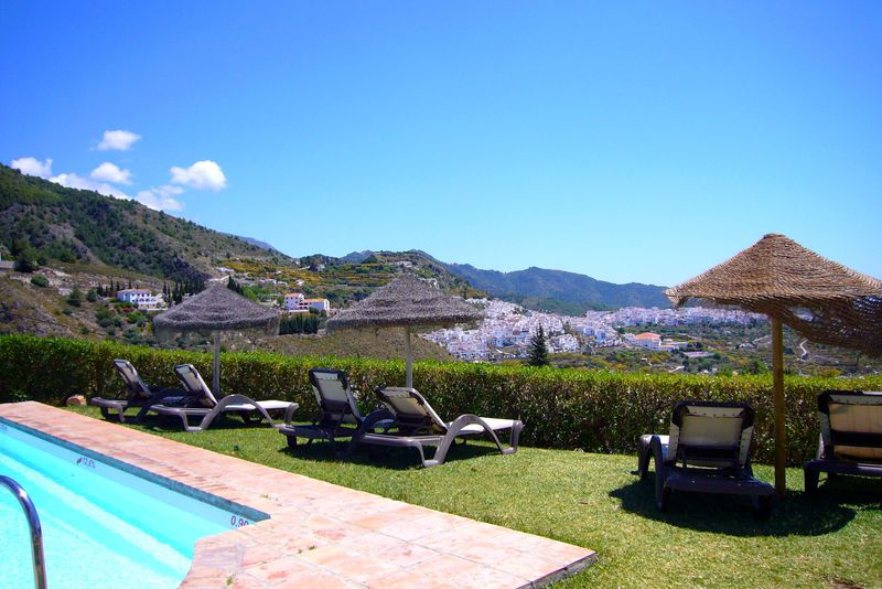 世界一美しい村フリヒリアナの絶景ホテル「ラ ポサダ モリスカ」