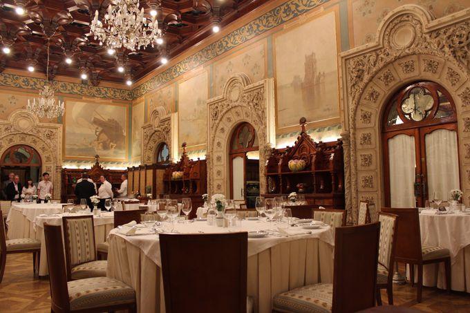 ここだけの貴重なワインを贅沢なレストランで