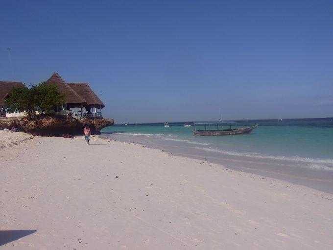 アフリカ東海岸インド洋に浮かぶリゾート島「ザンジバル」に滞在する