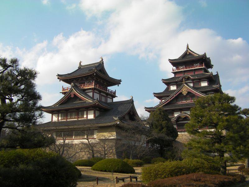 本丸跡には明治天皇陵も!豊臣秀吉が築いた京都「伏見桃山城」