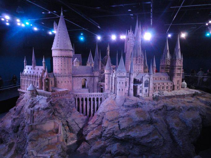 ツアーのクライマックスは圧巻のホグワーツ城の巨大模型!
