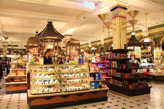 世界一有名なデパート、ハロッズでショッピング!