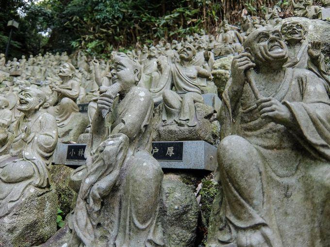 不動明王像にも劣らぬ、影の主役「五百羅漢」