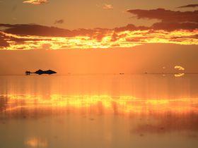 満月と新月どちらがお好み?ボリビア「ウユニ塩湖」夜の魅力