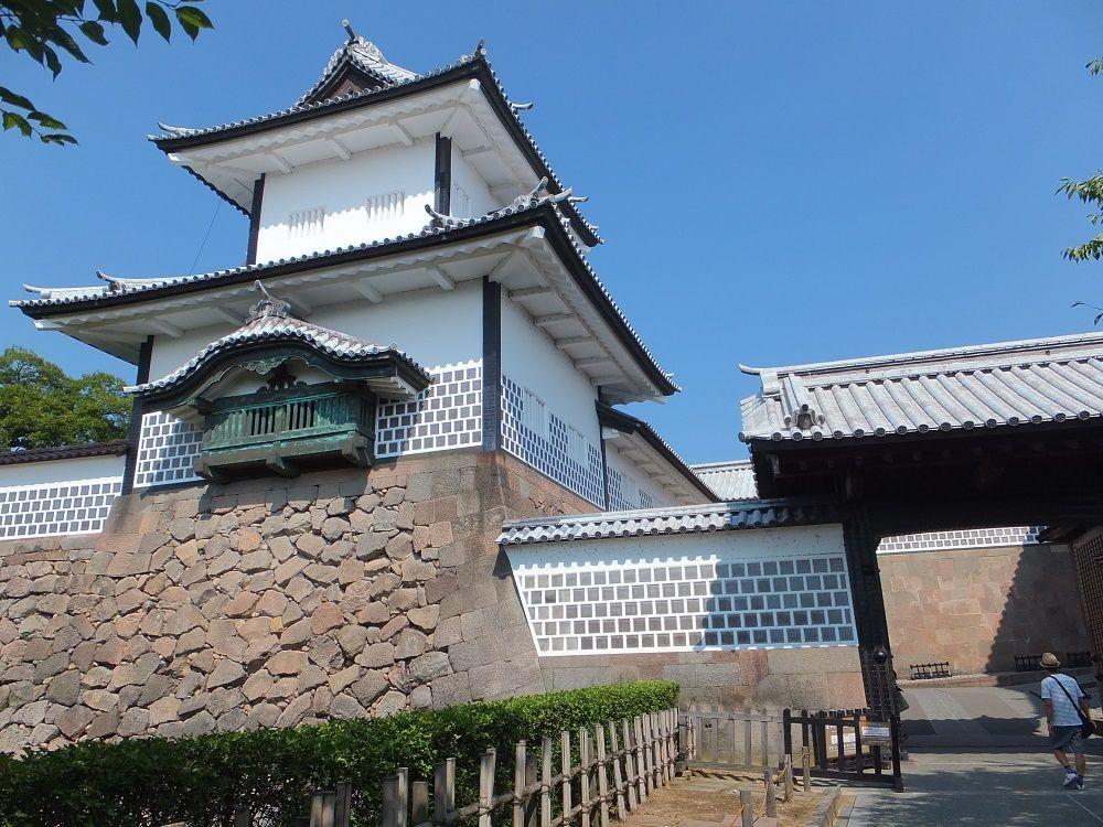 まず重要文化財の石川門、鶴丸倉庫、三十間長屋を押さえよう