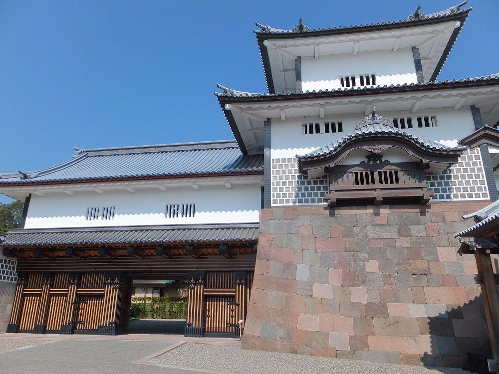 観光の定番!加賀百万石の城下町の中心地「金沢城」