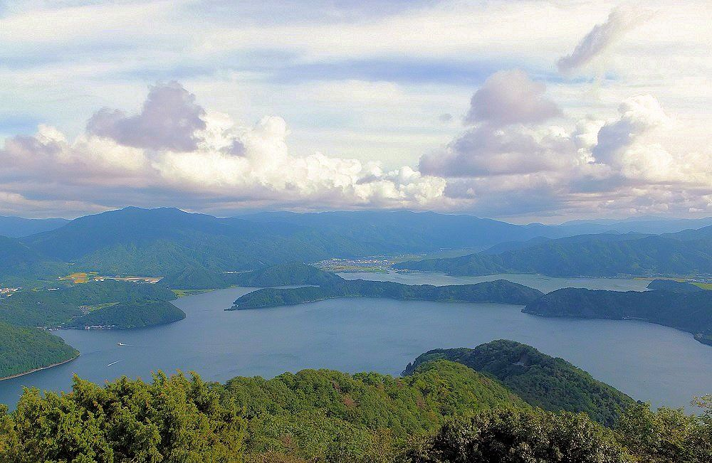 「三方五湖」を満喫するドライブルート「レインボーライン」