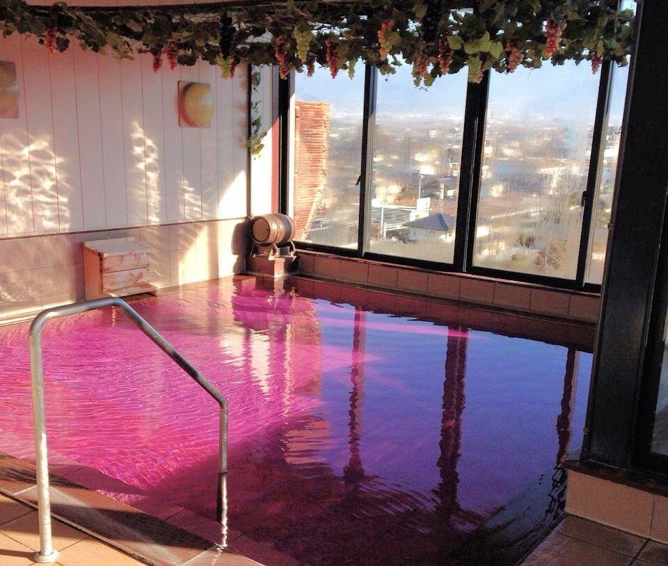 ホテル八田の展望ワイン風呂!その美肌効果が凄い
