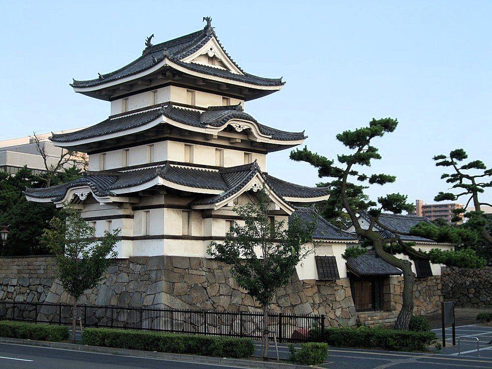 月見櫓が美しすぎる!最強の海城・高松城を海と空から眺めてみよう