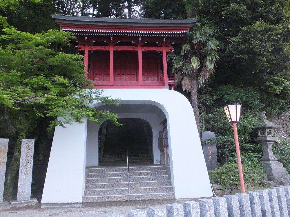 お菓子の神様も祀られている!?日本お菓子発祥の地・伊萬里神社