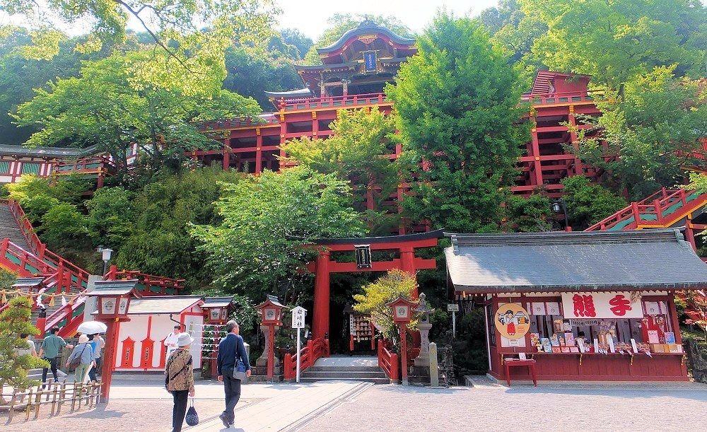 名物とんかつも!佐賀・祐徳稲荷神社は奥の院への参拝でご利益アップ